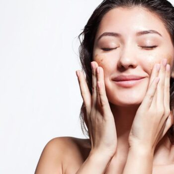 How To Deal With Acne-Prone Skin During Monsoon Season?